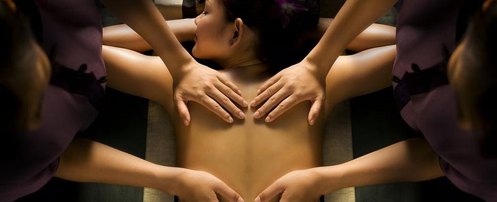 massagem-a-quatro-maos